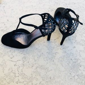Stunningly beautiful Adrianna Papell shoes
